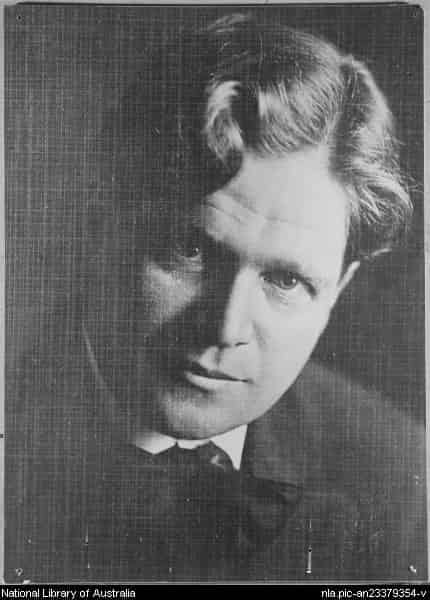 "Walter Burley Griffin (1876-1937), by unknown photographer. <a href=""http://nla.gov.au/nla.pic-an23379354"" target=""_blank"">National Library of Australia</a>, nla.pic-an23379354"