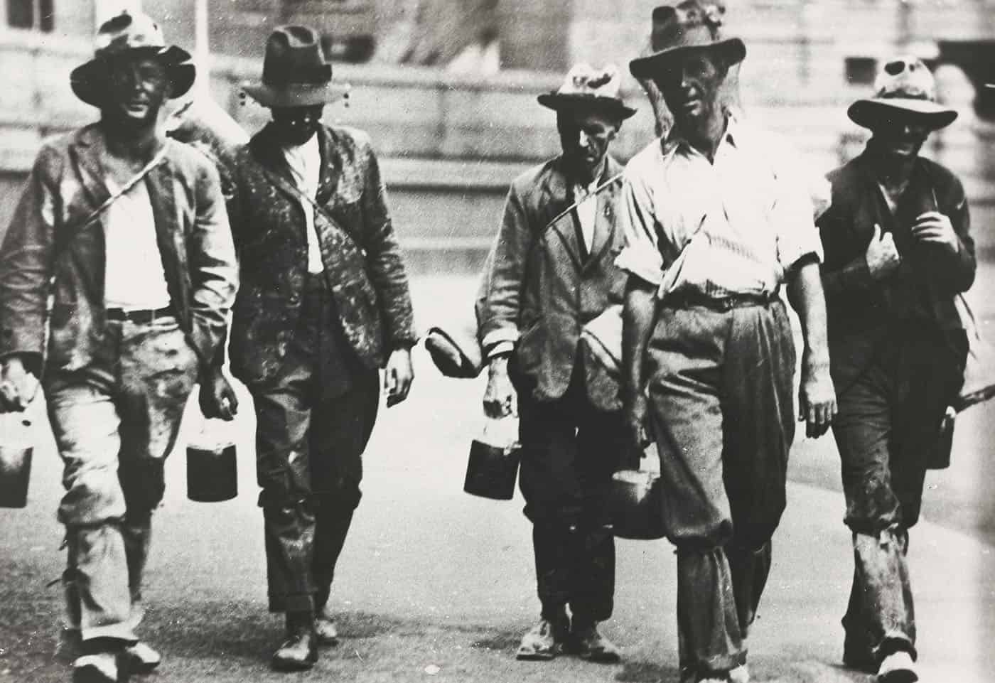 Men looking for work, 1930. National Library of Australia